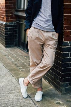 Slim, flat-front pants will always hold an important place in our closets, but for a fresh look this fall we're also trying out some slightly looser fits.