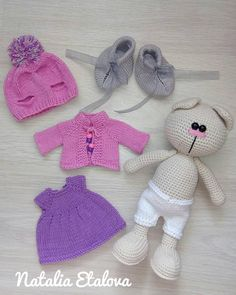 This Pin was discovered by mel Crochet Doll Pattern, Crochet Toys Patterns, Stuffed Toys Patterns, Doll Patterns, Knitted Dolls, Crochet Dolls, Crochet Rabbit, Sewing Toys, Knitting Accessories
