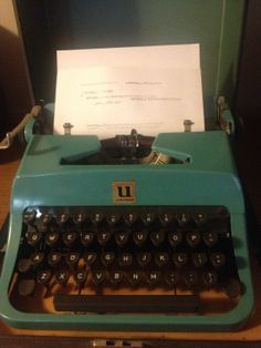 Rare Vtg TURQUOISE UNDERWOOD LEADER Typewriter by Wildangelvintage, $125.00