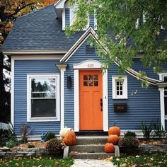 I never wanted a blue house with an orange door until THIS VERY SECOND! 🧡🧡 Thanks for the drool fest that's going on over her now Sarah 😁… Orange Front Doors, Front Door Colors, Exterior Paint Colors For House, Paint Colors For Home, House Siding Colors, Cottage Exterior Colors, Dark Blue Houses, Pc Photo, Blue Siding
