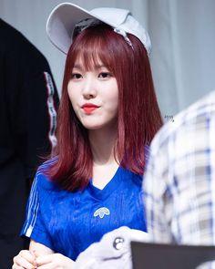 Gfriend Yuju, My Wife Is, G Friend, Girl Group, Jr, Kpop, Korean Fashion, Asian Beauty, Dancing