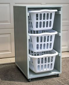 Laundry Room Carts: 12 Mobile and Space-Savvy Ways to Organize! : Space-savvy DIY laundry basket dresser on wheels Rolling Laundry Basket, Laundry Basket Holder, Laundry Basket Dresser, Laundry Room Baskets, Laundry Basket Storage, Laundry Room Organization, Laundry Hamper, Laundry Room Design, Laundry Drying
