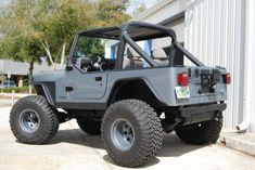 http://classiccarsmark.com/jeep/12517-jeep-yj-wrangler-4x4-42l-inline-6-cylinder-grey-black-accessories-rust-free.html