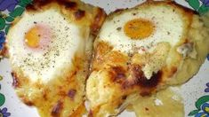"""Πούρες πατάτας με αυγά """"μάτια"""" στο φούρνο Eggs, Breakfast, Food, Morning Coffee, Essen, Egg, Meals, Yemek, Egg As Food"""