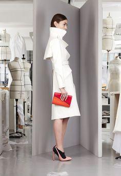 Christian Dior - Pre-Fall 2013 2014 - Shows - Vogue. Foto Fashion, Dior Fashion, Fashion Week, Runway Fashion, Fashion Beauty, Fashion Show, Fashion Design, Review Fashion, Fashion Trends