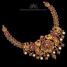Jaipur's Heritage Hotels - Immerse in Royal Heritage on India Holidays Gold Temple Jewellery, Gold Jewellery Design, Gold Jewelry, Antique Jewelry, Antique Necklace, Saree Jewellery, Gold Necklace, Choker Jewelry, Latest Jewellery