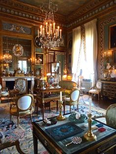Jacques Garcia - Reception room at Champ de Bataille, containing six chairs from Mme du Barry's bedroom at Fountainbleau.