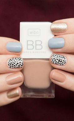 Rate this post spring neutral nails with a black and white patterned accent nail. spring neutral nails with a black and white patterned accent nail. Love Nails, How To Do Nails, Pretty Nails, Fun Nails, Chic Nails, Neutral Nail Art, Pastel Nail Art, Neutral Nail Designs, Chic Nail Designs