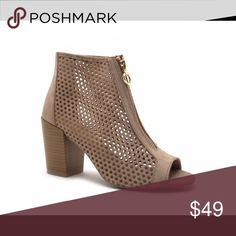 👌👌Isabella Peep Toe Booties Taupe👌👌 Super cute Peep Toe Booties with zipper.  Can wear with any outfit!! Get your pair today! Shoes Ankle Boots & Booties