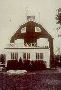 defeo home where the family of six were murdered by the eldest son, ronald defeo