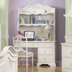 love this desk for a little girl's room!