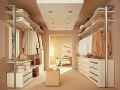 Walk-in closet - smart decision for modern houses. Tips on setting up a walk in closet: lighting, color palette, mirrors, decor, etc. Ikea Closet Design, Walk In Closet Design, Bedroom Closet Design, Master Bedroom Closet, Wardrobe Design, Closet Designs, Master Bath, Master Bedrooms, Dream Bedroom