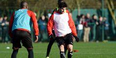 #FootBall C'est le moment de renouer avec le succès pour Yoann Gourcuff. Samedi le meneur de jeu français pourrait donc faire ses grands débuts avec le Stade Rennais FC lors du derby contre Lorient. À suivre ... ;)  source http://www.lequipe.fr/Football/Article/Maintenant-ou-faire-jouer-yoann-gourcuff/622026