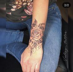 Diy Tattoo, Tattoo Henna, Tattoo Fonts, Mandala Tattoo, Tattoo Ideas, Tattoo Trends, Flower Wrist Tattoos, Girly Tattoos, Disney Tattoos
