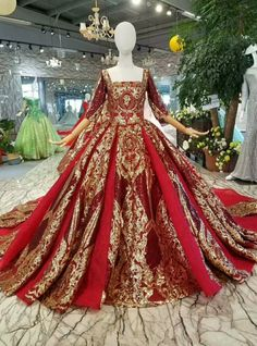 Red And Gold Sequins Square Neck Short Sleeve Backless Wedding Dress Rot und Gold Pailletten Square Neck Short Sleeve Backless Brautkleid Red Wedding Gowns, Backless Wedding, Wedding Lace, Dress Wedding, Trendy Wedding, Wedding Shoes, Pretty Dresses, Beautiful Dresses, Red Ball Gowns