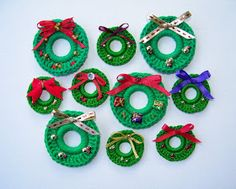Delights-Gems: Fast and Fun Holiday Wreath Pins