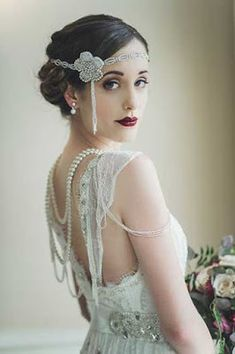 Greater than Gatsby -- Old Hollywood Glam Art Deco Wedding Headpiece -- Gatsby Wedding, Wedding Headpiece, Deco Wedding Piece, Flapper, 1920s Wedding Hair, Art Deco Wedding, Vintage Wedding Makeup, Gatsby Hair, Wedding Themes, Gatsby Wedding Dress, Vintage Weddings, Wedding Veils, Gatsby Party