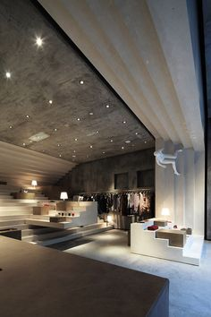 ALTER concept store in Shanghai, China :: 3Gatti Architecture Studio....gotta love the mannequin on the wall.