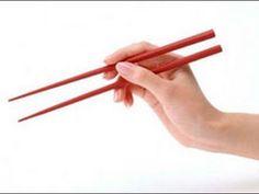 Come usare le BACCHETTE CINESI (Kuàizi),differenza con le bacchette giapponesi. - YouTube