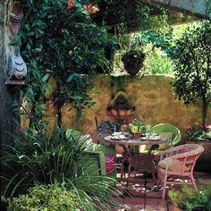Hillside dining hideaway