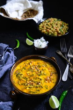Palak Chana Dal is a healthy, nutritious gravy loaded with proteins. It is very quick to make, and is almost similar to the toor dal that is a staple in most Indian homes. Dal Palak Recipe, Saag Recipe, Indian Food Recipes, Asian Recipes, Healthy Recipes, Ethnic Recipes, Meatless Recipes, Veg Recipes, Kitchens