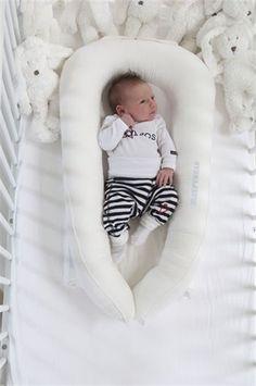 Sleepyhead fra Enfant Terrible - til de små sleepy heads, du elsker Baby Fever, Bedtime, Bassinet, Baby Room, Baby Car Seats, Cute Babies, Children, Gull, Baby Outfits