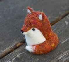 Needle Felted Fox por scratchcraft en Etsy