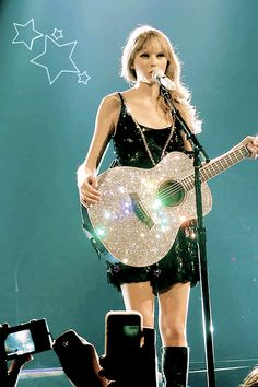 andyoucallmeupagain:All the kingdom lights shined just for me Taylor Swift