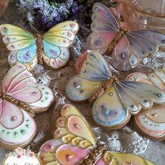 Beautiful Butterfly Cookies by Teri Pringle Wood Summer Cookies, Fancy Cookies, Iced Cookies, Cute Cookies, Easter Cookies, Birthday Cookies, Cupcake Cookies, Basic Cookies, Butterfly Cookies