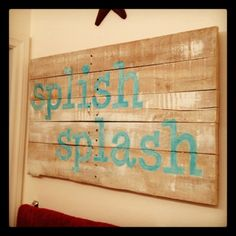 I found this awesome tutorial for painting signs. and had to try it on some pallet pieces~ simply print out the letters in . Wood Pallet Crafts, Wooden Projects, Pallet Art, Pallet Signs, Diy Pallet, Pallet Projects, Wood Pallets, Diy Projects, Rustic Signs