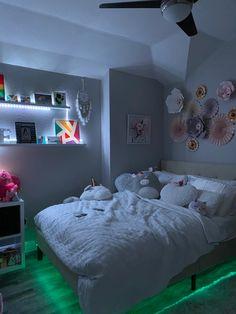 Bedroom Lighting, Bedroom Decor, Girls Bedroom, Bedrooms, Simple Aesthetic, Types Of Rooms, Room Ideas, Led, Furniture