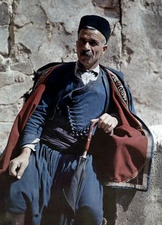 A man poses in the national costume of Crete - Greece in colour, Images by Maynard Owen Williams / Wilhelm Tobien Source: National Geographic Stock Greek Traditional Dress, Traditional Outfits, Traditional Fashion, National Geographic, Folk Costume, Costumes, Albert Kahn, Greek Dress, Galerie Creation