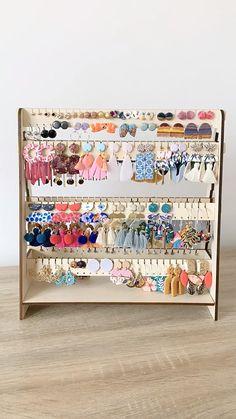 Diy Earrings Stand, Diy Earring Holder, Earring Display, Diy Earring Storage, Jewellery Storage, Jewellery Display, Jewelry Organization, Diy Jewellery Holders, Jewelry Hanger