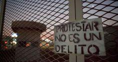 Presos anarquistas, libertarios y políticos inician huelga de hambre http://insurgenciamagisterial.com/presos-anarquistas-libertarios-y-politicos-inician-huelga-de-hambre/