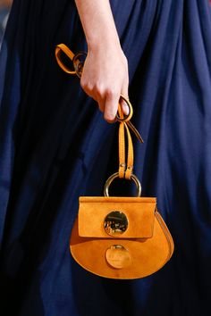 Spring 2015 Ready-to-Wear - Chloe My Bags, Purses And Bags, Sacs Design, Kelly Bag, New Bag, Beautiful Bags, Fashion Bags, Leather Bag, Prada