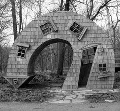 10 strange buildings