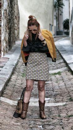 vestido sixty almatrichi y bomber amarilla de cuello de pelowww.normcoregirl.com @normcoregirl