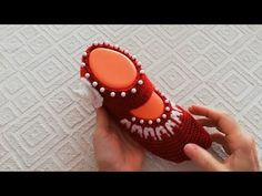 Diy And Crafts, Fashion Shoes, Gemstone Rings, Gemstones, Knitting, Youtube, Create, Crochet Baby Shoes, Caps Hats