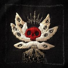 """fearsomebeast: """" Finally finished this one! #embroidery #handembroidery #mementomori #macabre http://ift.tt/2dJ5obN """""""