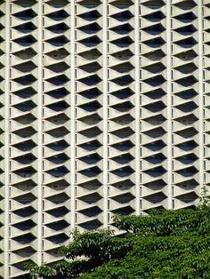 Sri Fueng Fung Building - Facade   by Horst Kiechle.