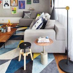 """3101587e0 Decoração.Arquitetura.Design on Instagram  """"Além de  conforto e  aconchego  os  tapetes delimitam o espaço. Na hora da escolha do seu tapete"""