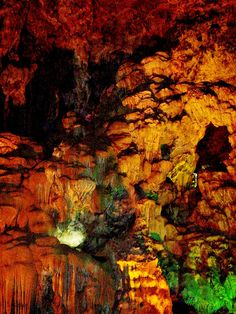 Thiên Cung Cave1 by trucle9, via Flickr