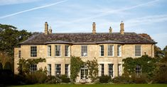 Joanna Plant has updated this elegant Georgian house in the Cotswolds to meet the needs of a family, reconfiguring the layout and creating inviting yet practical spaces for the owners and their children.