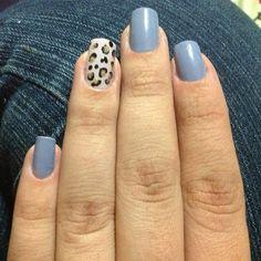 a-ni-maaaaaaal ficaram as unhas da berê Lis Costa nessa composição com nosso azulim. haha <3