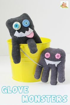 How to make Glove monsters.  Glove monsters or Gloves are a great way to use up odd gloves and get the kids sewing too.  A great tween or tween craft.