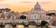 The food of the Italian capital gets an upgrade. From haute to street food, the primary ingredient is quality. Don't worry, though: cacio e pepe and amatriciana aren't going anywhere. Last Minute Travel, Trevi Fountain, Sistine Chapel, Virtual Museum, Vatican City, Travel Channel, Luxor Egypt, Travel News, Staycation