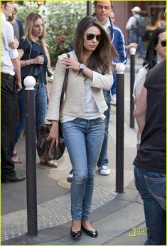 Mila Kunis: Shopping in Paris! | mila kunis paris shopper 01 - Photo
