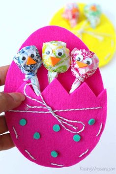 We don't know what we love more—the cute egg-shaped pouches or the lollipops decorated as adorable chicks! Get the tutorial at Raising Whasians.