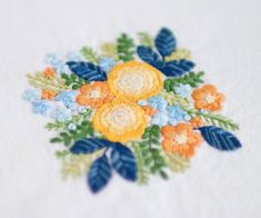 * . Yellow Rose . . #刺繍#手刺繍#手芸#embroidery#handembroidery#stitching#needlework#자수#broderie#bordado#вишивка#stickerei