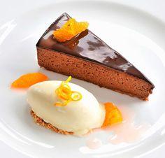 Schokoladen-Marquise: Rezept für Schokoladentorte mit Blutorangensalat